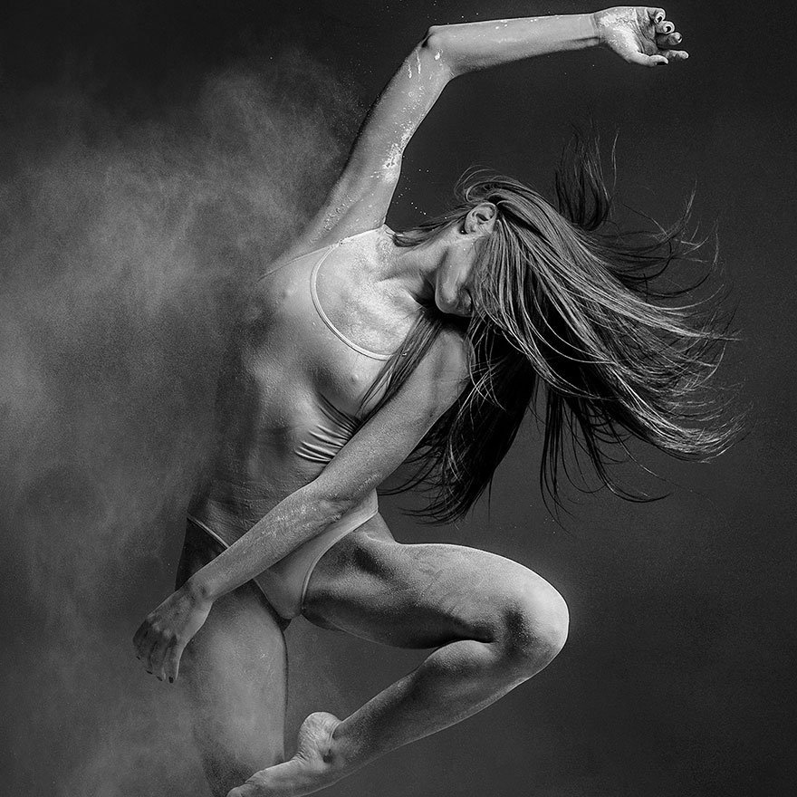 Dirty Dancing: Explosive Portaits of Movement