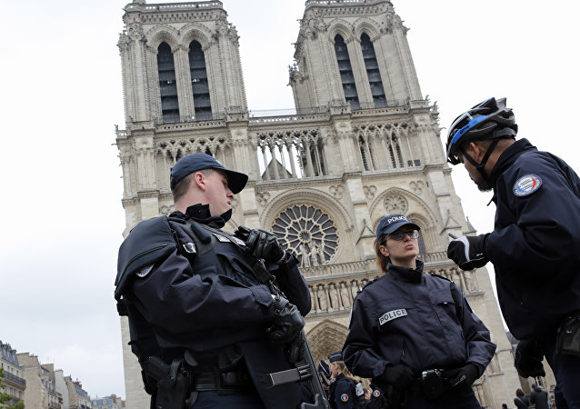 French police officers patrol outside Notre Dame Cathedral (File)